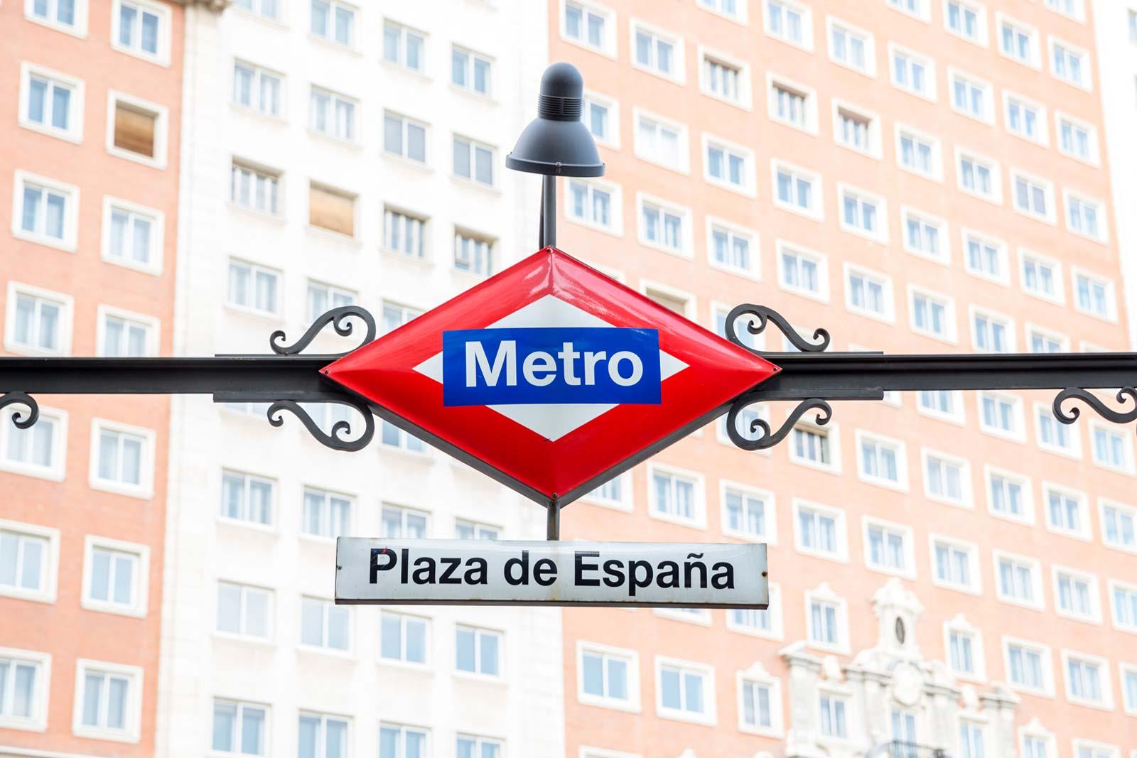 Placa da estação de metro da Praça de Espanha